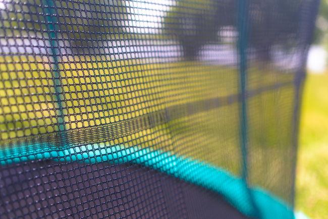 Нужна ли защитная сетка для батута