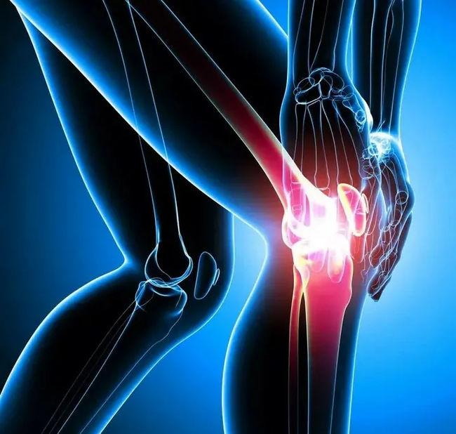 Травмирование коленей при прыжках на батуте